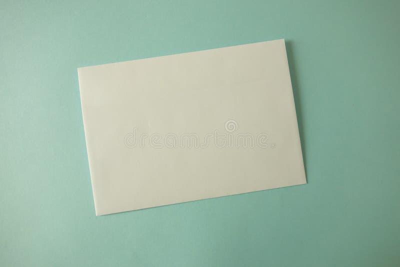 Tom reklamblad, broschyr som isoleras på mjuk bakgrund royaltyfria foton