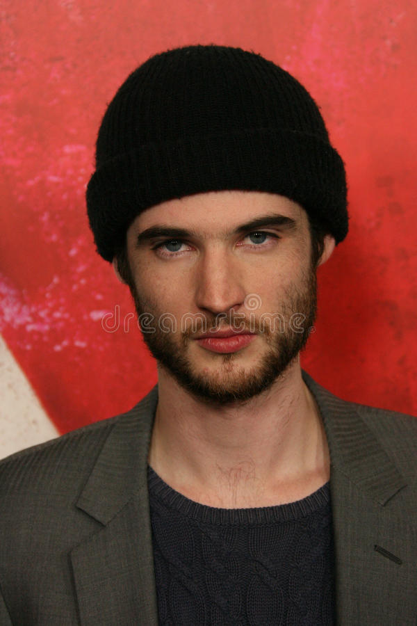 Download Tom Sturridge redaktionelles stockbild. Bild von theater - 26355829