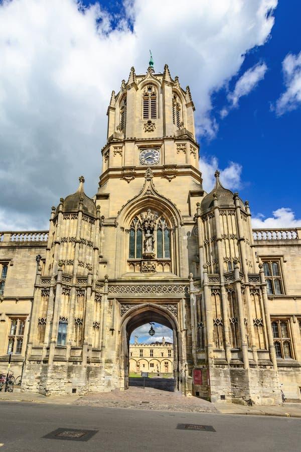 Tom Tower av Kristuskyrkan, Oxford universitet, Oxford, UK arkivfoton