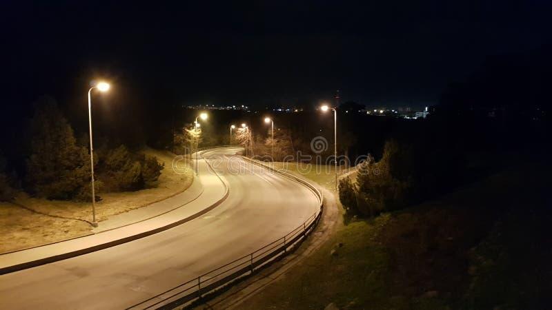 Tom väg för natt arkivfoto