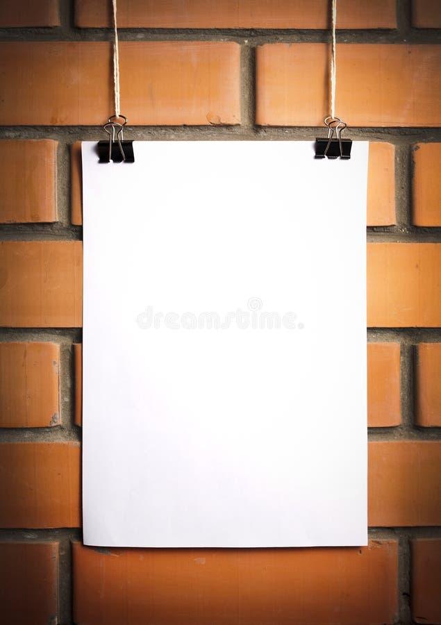 Tom vit affisch på ett rep fotografering för bildbyråer