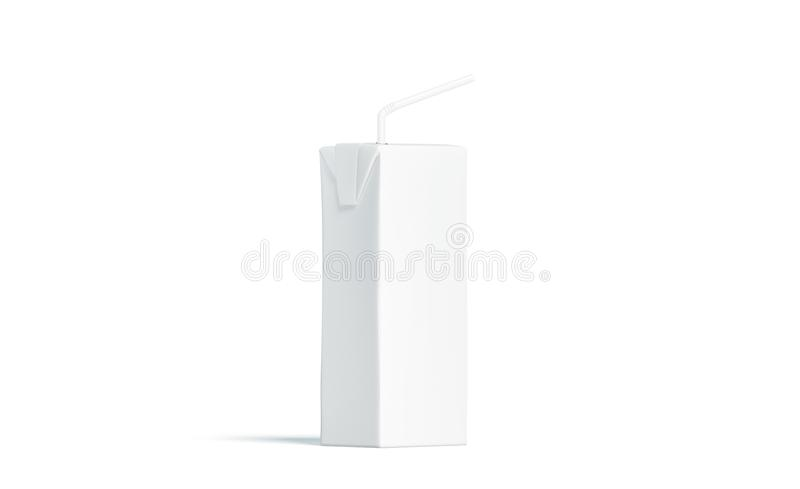 Tom vit fruktsaftpacke med sugrörmodellen, sidosikt royaltyfria bilder