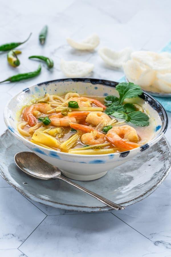 Tom yum - καυτή και ξινή σούπα με τις γαρίδες στοκ εικόνα με δικαίωμα ελεύθερης χρήσης