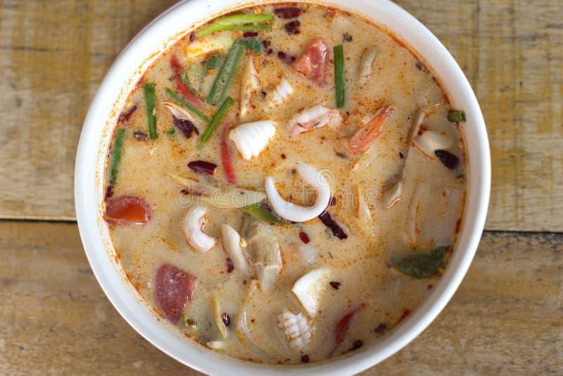 Tom Yum Goong - marisco quente e picante tailandês da sopa. imagem de stock royalty free
