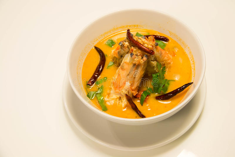 Tom Yum Goong - sopa quente e picante tailandesa com camarão fotografia de stock royalty free