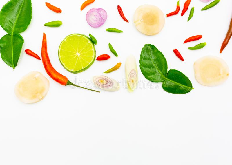 Tom Yum, Tajlandzcy składniki dla Tajlandzkiego jedzenia, popularny zupny Tom na białym tle Yum, obraz stock