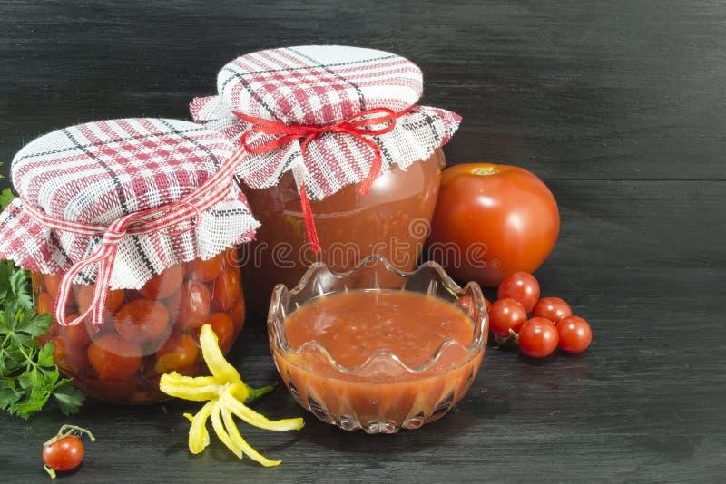 Tomaat in diverse vormen royalty-vrije stock afbeelding