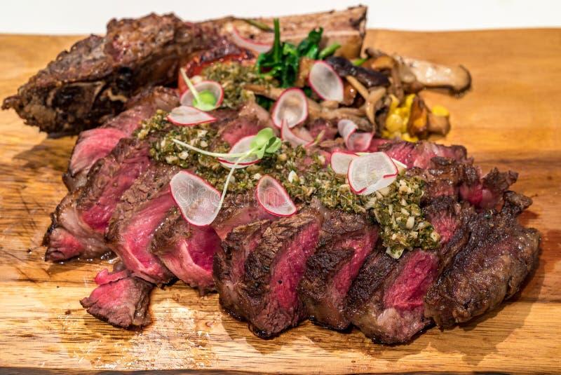 Tomahawk wołowiny stek zdjęcia stock