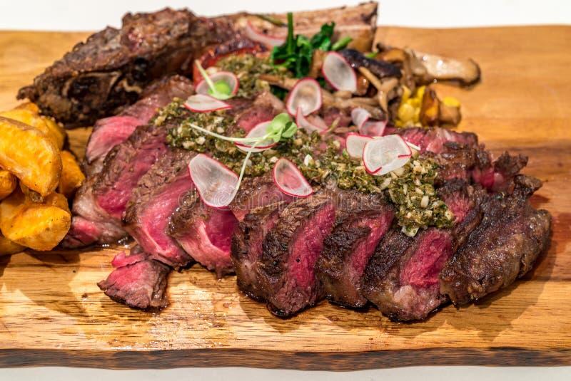 Tomahawk wołowiny stek zdjęcie stock