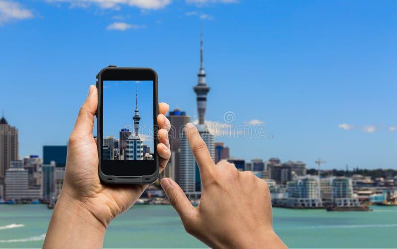 Tomando a foto de Auckland imagem de stock royalty free