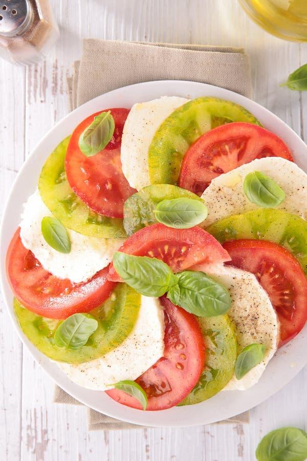 Tomat, mozzarella och basilika arkivfoto