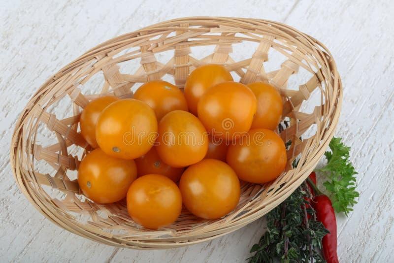 Tomate-cerise jaune images libres de droits