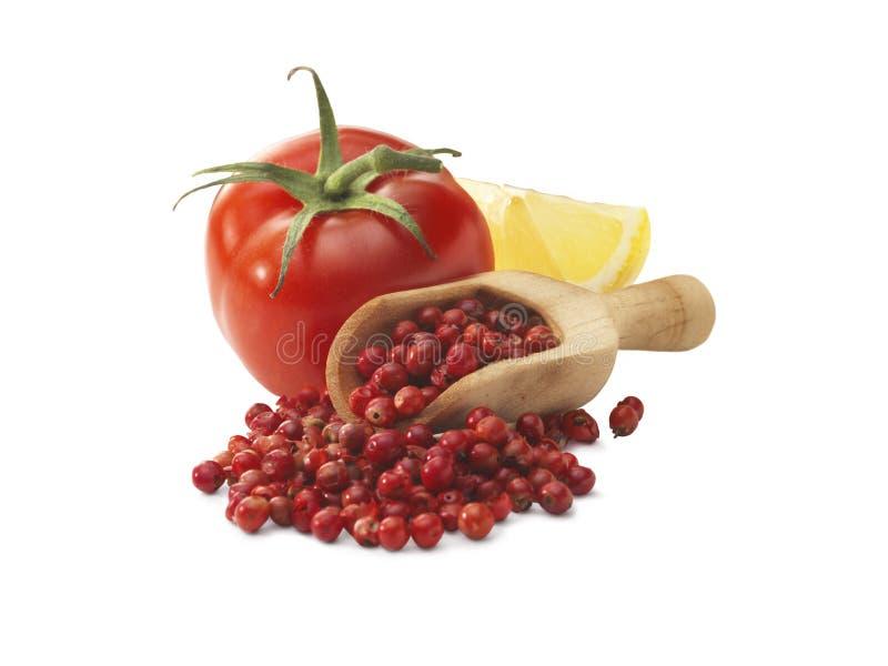 Tomate, citron et grain de poivre rouge photographie stock libre de droits