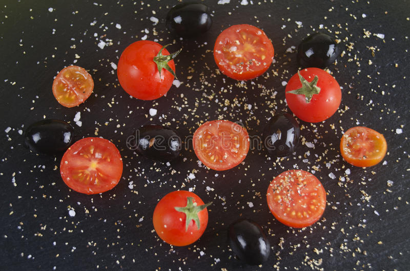 Tomate et olives photo stock