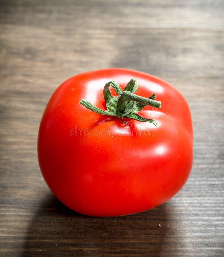 Tomate maduro fresco foto de stock royalty free