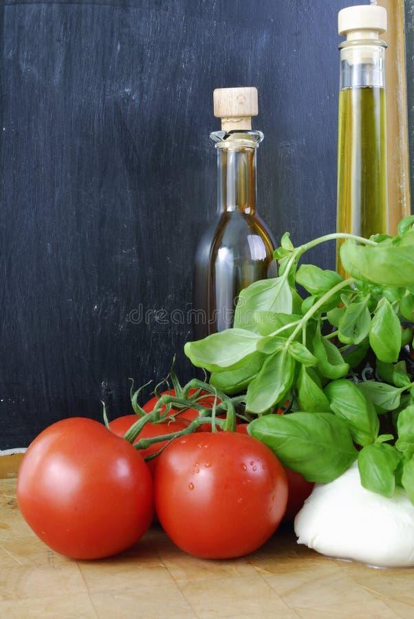 Tomate-Mozzarella lizenzfreie stockfotos