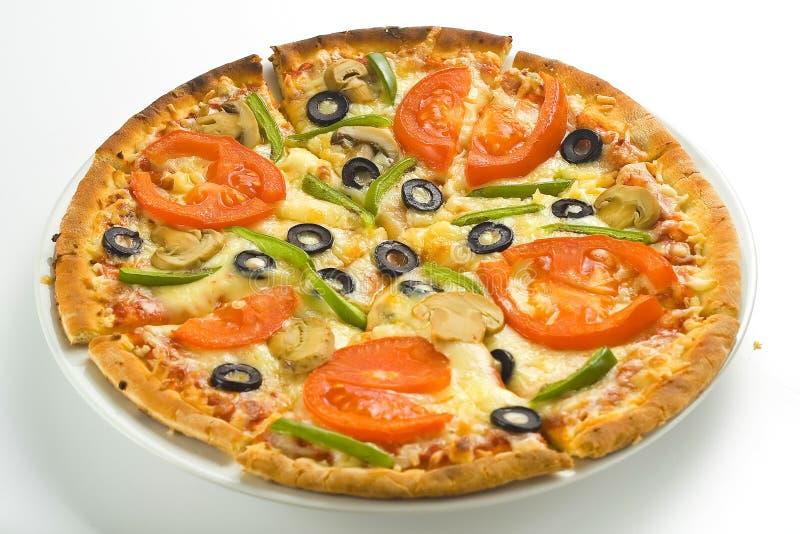 tomate olive de pizza de champignon de couche fait maison frais de fromage photographie stock