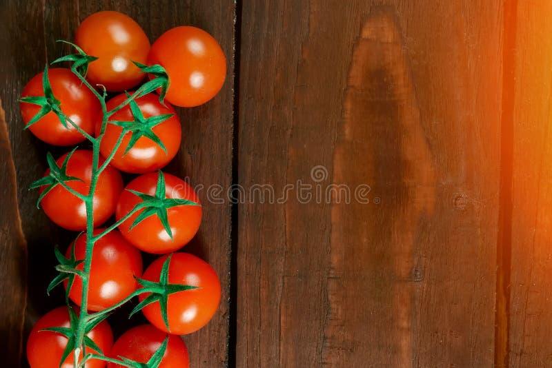 Tomaten auf dem Tisch ein Platz für einen Aufkleber stockbild