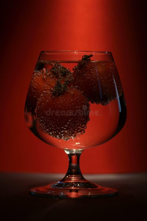 Tomaten in einem Glas stockfotos