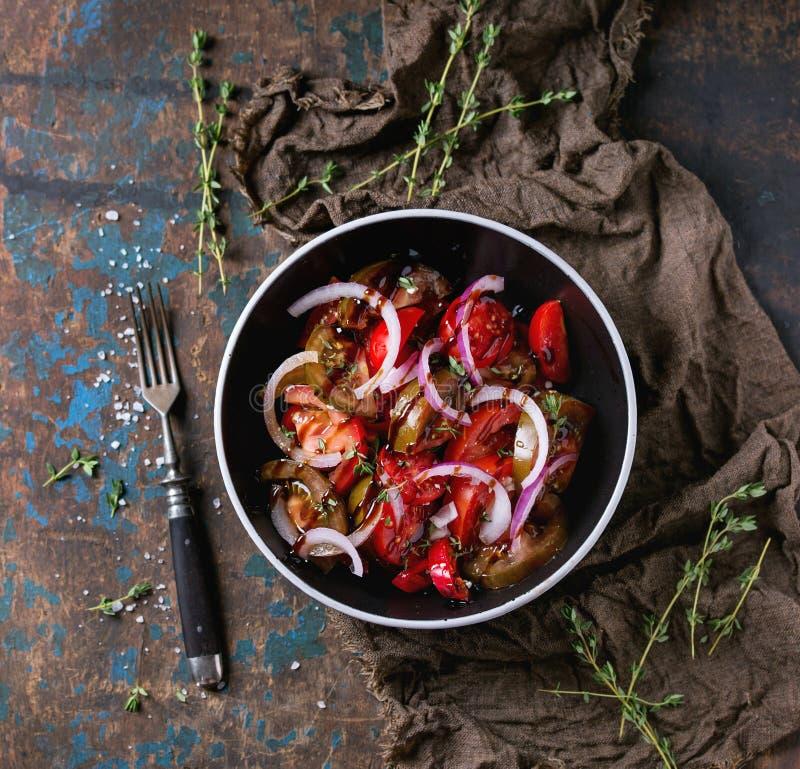 Tomaten en uisalade stock foto's