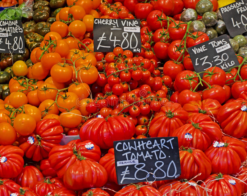 Tomaten am Stadt-Markt lizenzfreies stockbild