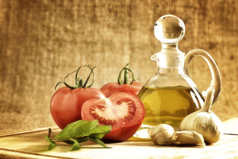 Tomaten Zwiebel, Knoblauch, Pfeffer, Tomaten lizenzfreie stockfotos
