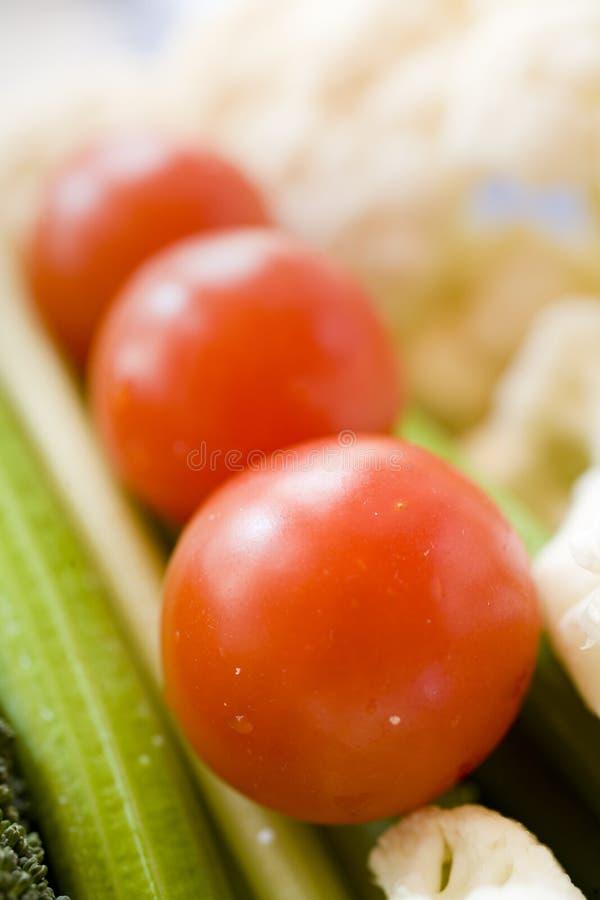 tomater för mellanmål för broccoliblomkålselleri sunda fotografering för bildbyråer