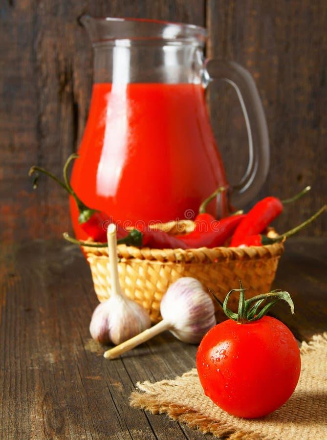 Tomater och kryddor arkivfoton