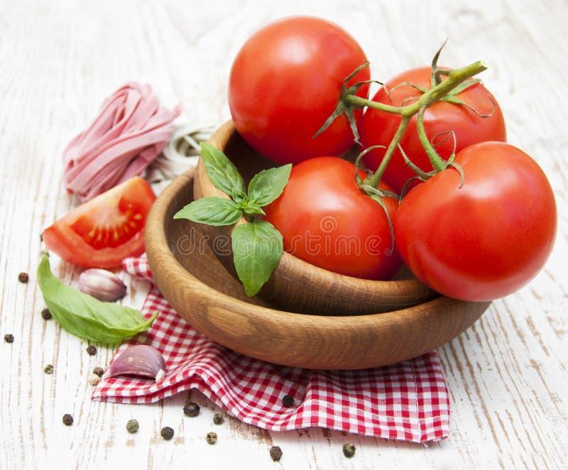 Download Tomates imagen de archivo. Imagen de cocina, vástago - 41921325