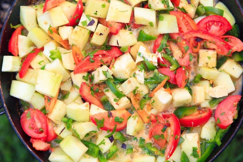 Tomates, abobrinha, peper, cebola cozinhada fotografia de stock royalty free