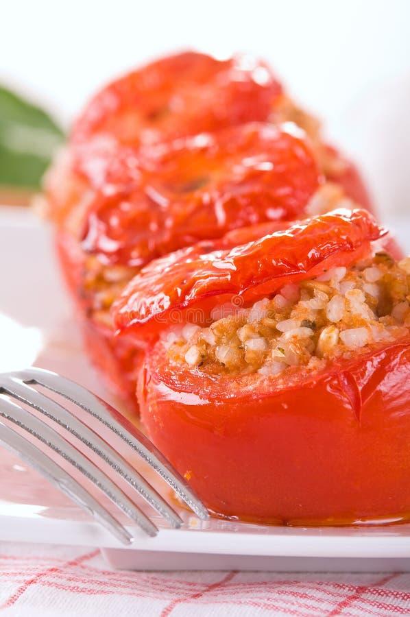 Download Tomates Bourrées D'un Plat Blanc Image stock - Image du alimentation, gastronomie: 56489637