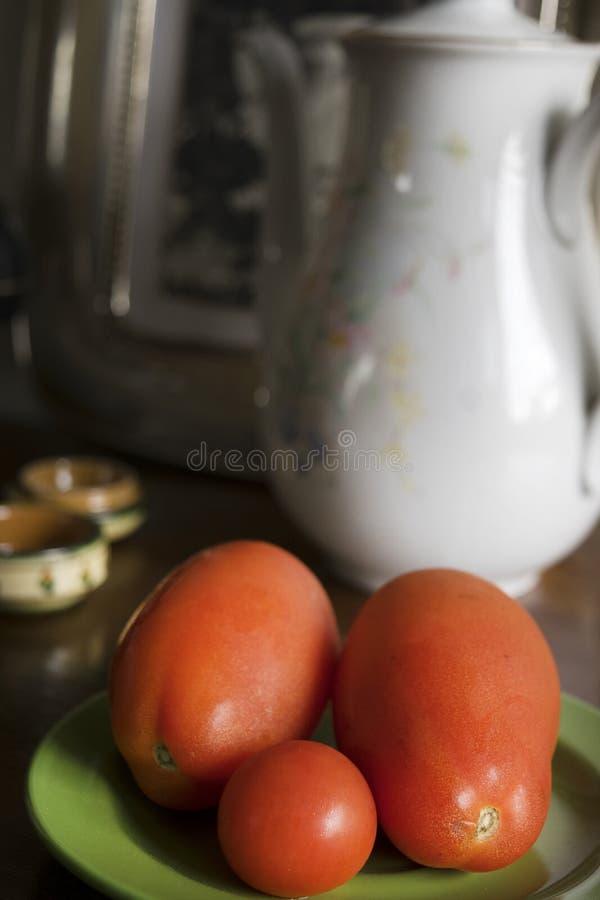 Tomates cereza y del marzano frescos de San fotos de archivo