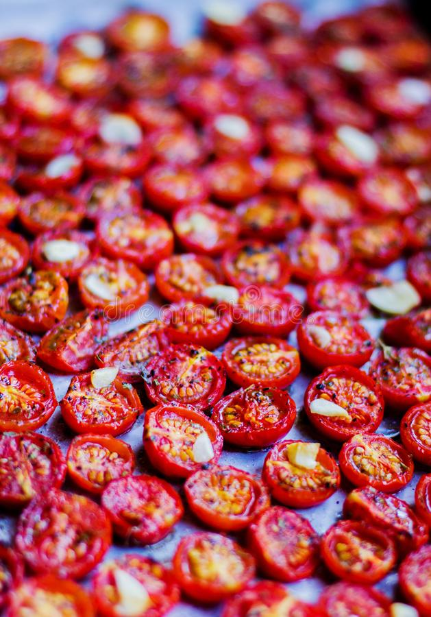 Tomates-cerises sèches photo stock