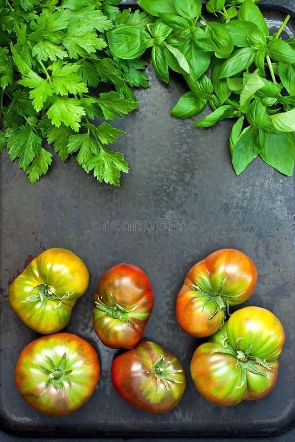 Tomates délicieuses colorées fraîches Ingrédient de nourriture image stock