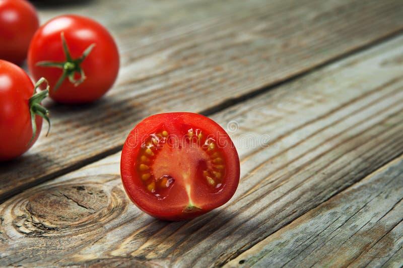 Tomates de cereja maduros foto de stock