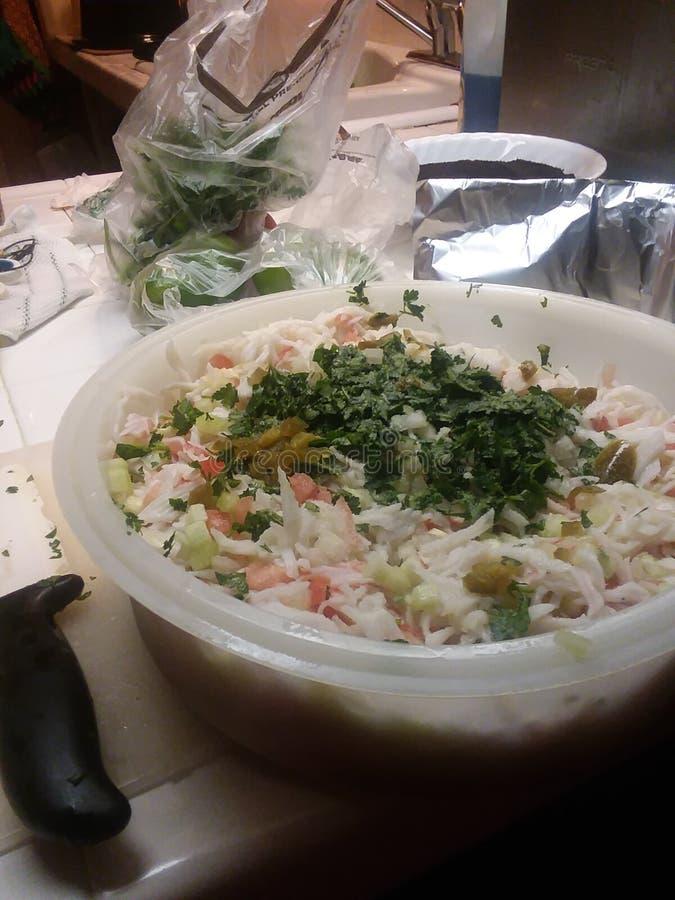 Tomates del cilantro de la carne de cangrejo de los mariscos imágenes de archivo libres de regalías