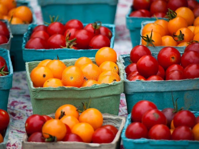 Tomates del mercado fresco fotos de archivo