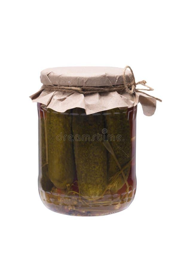 Tomates en boîte et concombres, d'isolement sur le blanc images stock