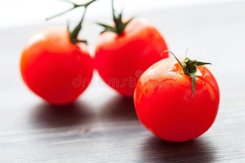 Tomates frescos saborosos fotografia de stock