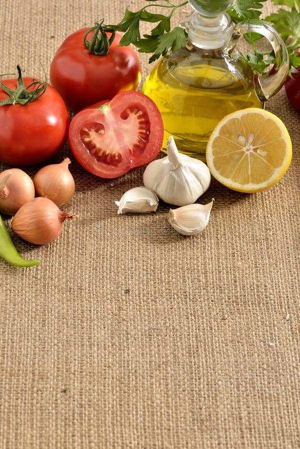 Tomates limón, ajo, pimienta, tomates imágenes de archivo libres de regalías