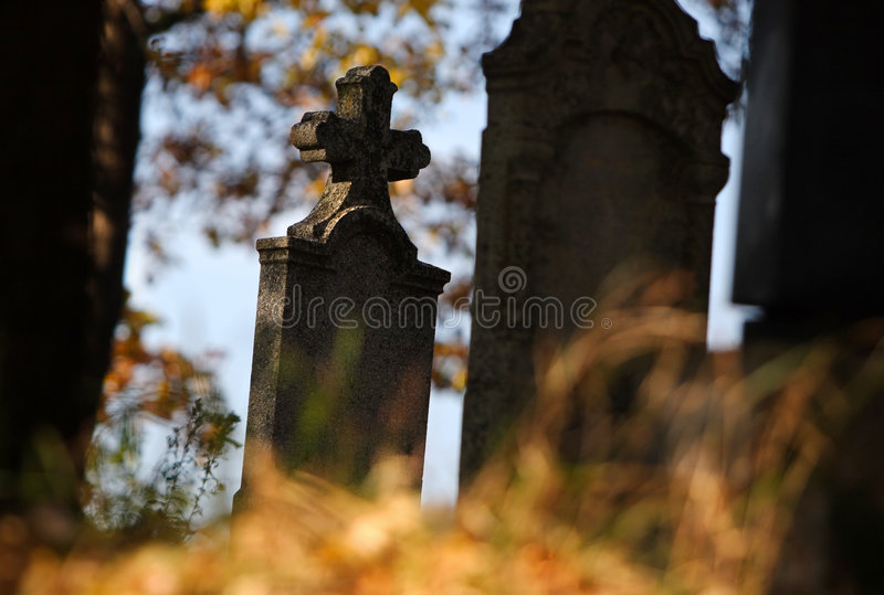 Download Tomb in autumn stock image. Image of grass, crucifix, autumn - 5000741