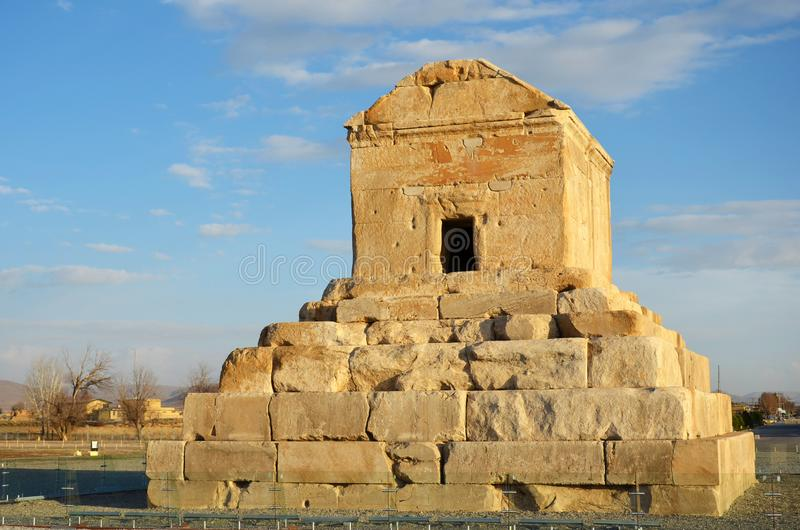 Tomb av Cyrus den store i Pasargadae arkivfoto