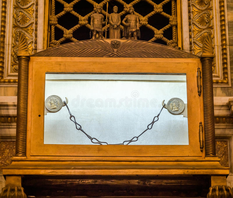 Tomb of the sarcophagus of the Apostle Paul, and nine of the chain links which was chained prisoner Paul in the catholic church ca. Thedral basilica of Saint stock photos