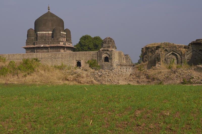 Tomba del ` s di Darya Khan in Mandu, India fotografie stock libere da diritti
