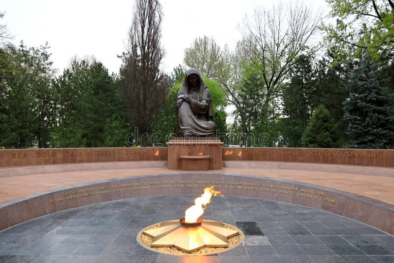 Tomba del soldato sconosciuto; Ta?kent; L'Uzbekistan immagini stock libere da diritti