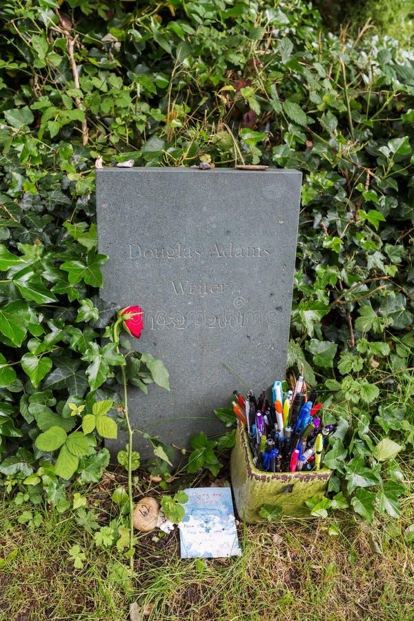 Tomba di Douglas Adams al cimitero di Highgate a Londra fotografia stock libera da diritti