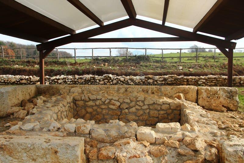 Tomba nell'area archeologic di Nomentum-Eretum, Roma immagine stock libera da diritti