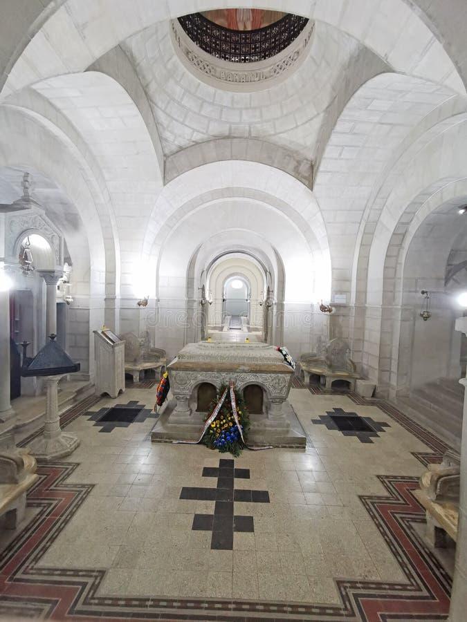 Tombe à l'intérieur de mausolée de Marasesti images libres de droits