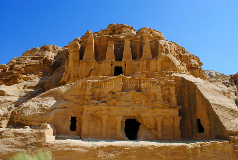 Tombe d'obélisque et le Triclinium dans PETRA, Jordanie photographie stock libre de droits