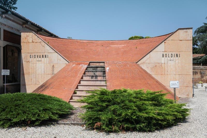 Tombe de Giovanni Boldini à Ferrare image libre de droits